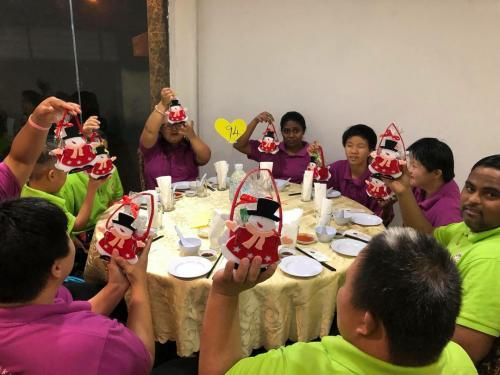 Charity Christmas Dinner with Persatuan Penjagaan Kanak-Kanak Cacat Klang Selangor on 1.12 (1)
